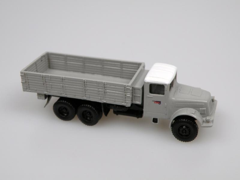 1952 T 111R valník/truck