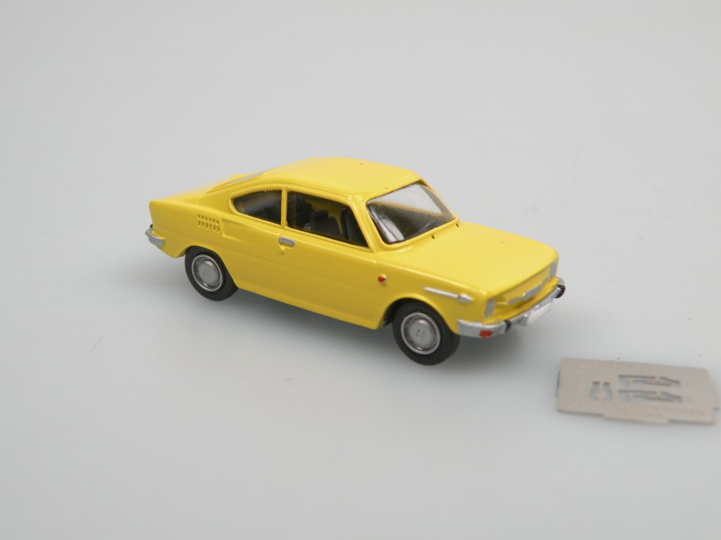 S110R Coupe 1971 yellow