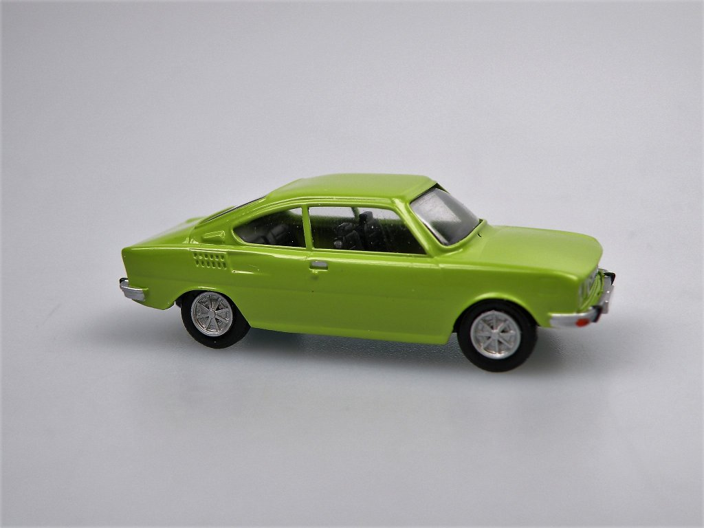 S110R Coupe 1973 Green