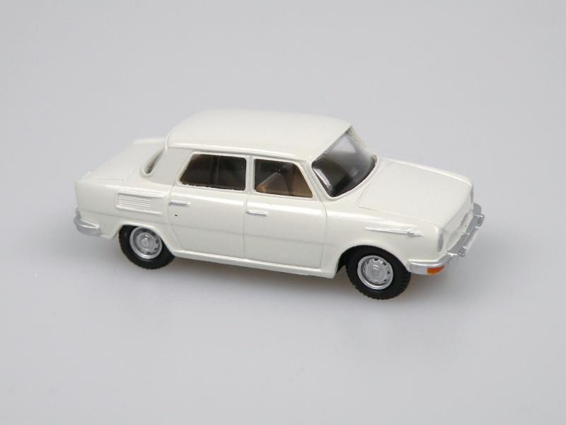 1969 S100 (šedobílá)