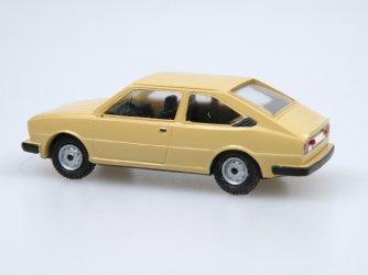 1981 S 120G coupe (béžová šampaň)