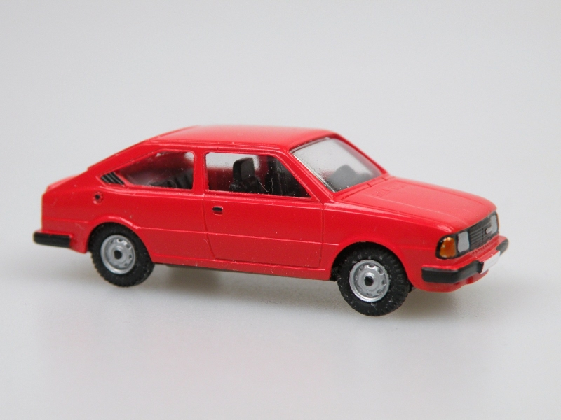 1984 S130R coupe  (červená)