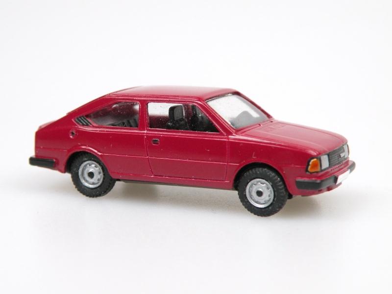 1984 S130R coupe  (tmavá červená)
