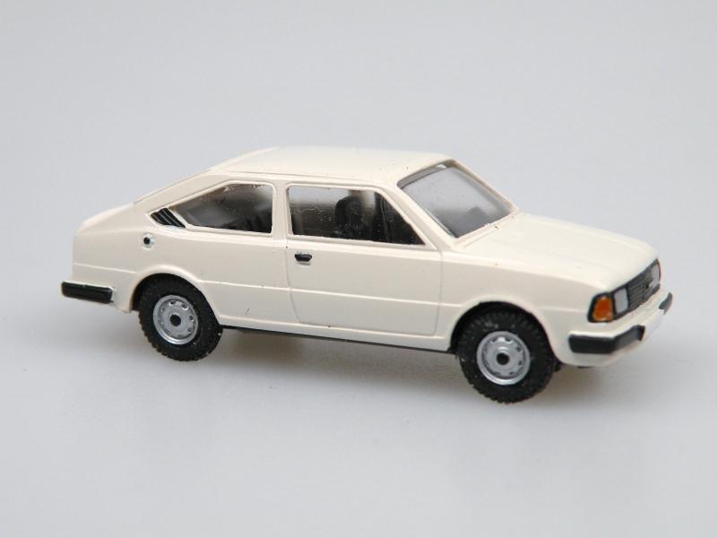1984 S130R coupe  (bílá sněhová)
