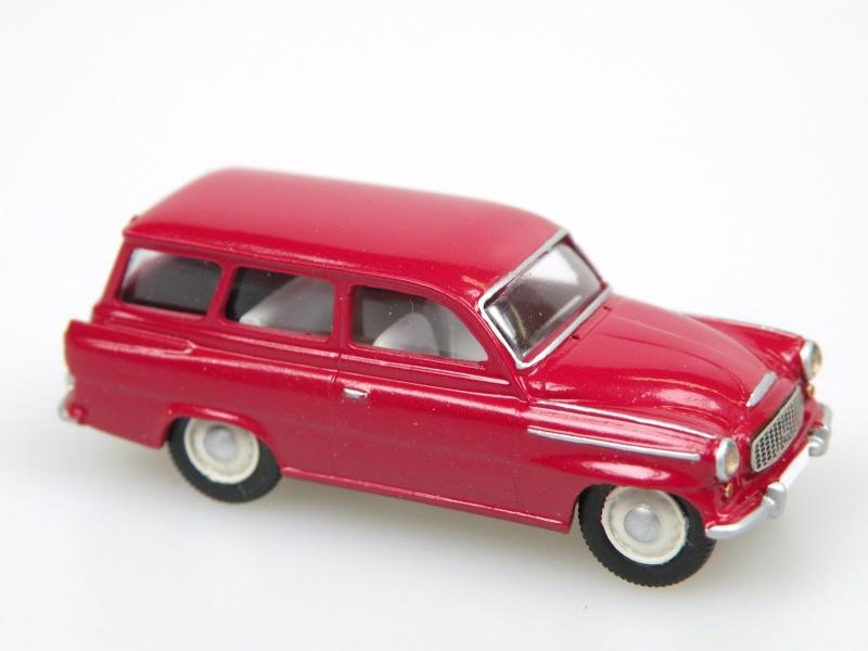 S 993 C Combi (1961) tmavá červená