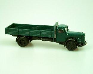 1951 Truck706R valník/dropside truck (dark green)