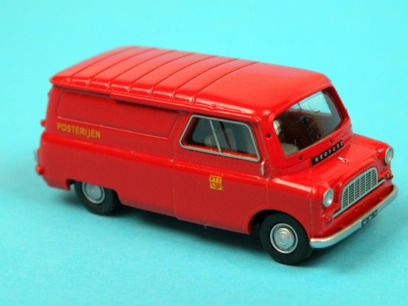 Bedford CA Mail Van (NL)