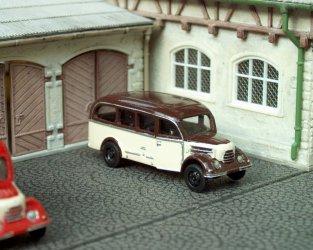1956 Garant 30K Omnibus (brown/beige)