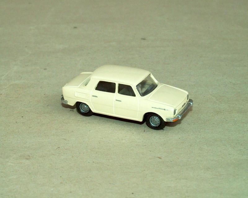 1969 S100 (světlá slonovinová)