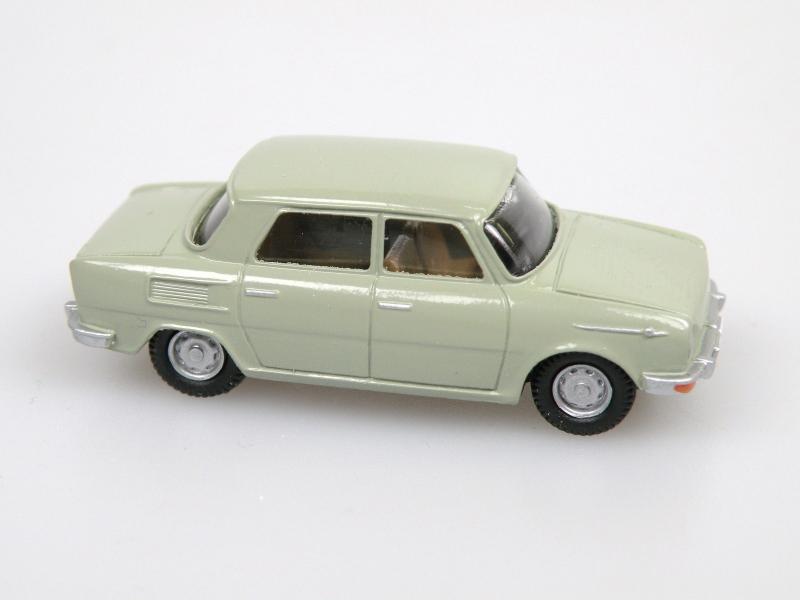 1969 CZ car (green-grey)