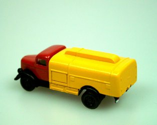 1939 Petrol Tanker (red/yellow)