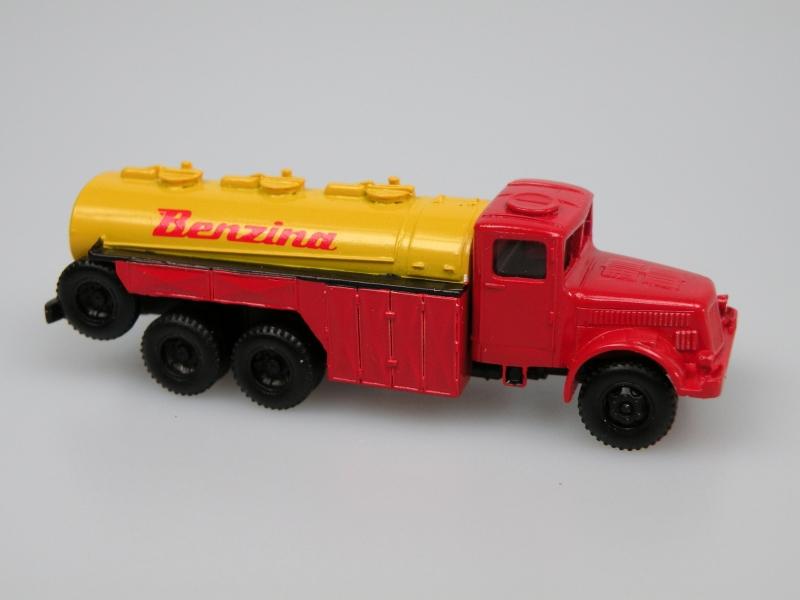 1952 T 111C cisterna/Petrol Tanker (Benzina)