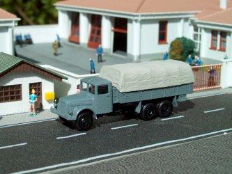 1952 T 111R voj.valník s pl./Military truck w.tilt