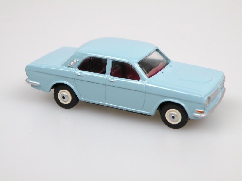 1970 GAZ 24 Limousine (light blue)