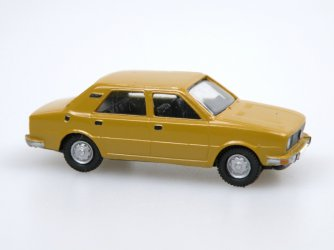 1976 S 105S (okrová C6513/ochre yellow-brown)