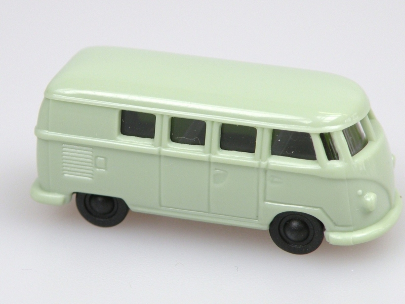 VW bus (1:120) světle zelený/light green