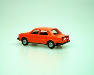 1984 S 120L (oranžová C7845)