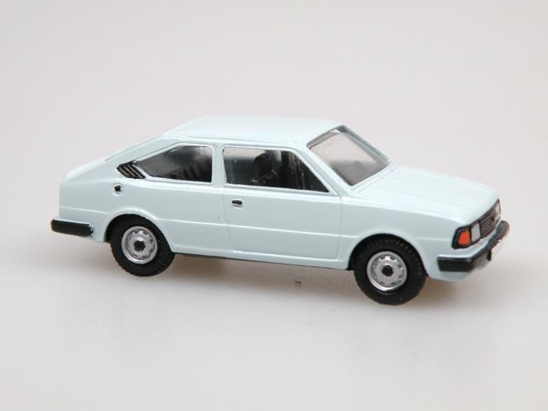 1984 S 130R coupe (světle modrá)