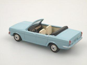 GAZ 24 cabrio světle modrá